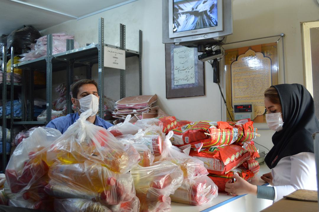 توزیع كالاي غذايي ويژه ماه مبارک رمضان به  پرسنل بیمارستان آپادانا انجام پذیرفت